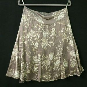 Banana Republic Silk skirt Knee length Beige Cream